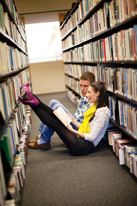 Editorial engagement-photoshoot in the library